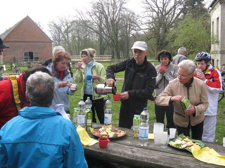 Die-Prignitz-radelt-an-2010-Sternfahrt-Radler-unterwegs