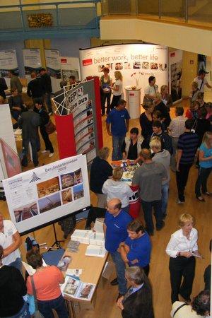 Viele-Besucher-bei-der-JOBSTART-2009-in-Kyritz
