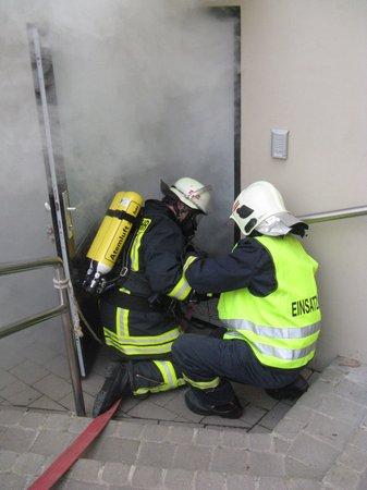 Atemschutzträger-der-Gemeindefeuerwehr-im-Einsatz