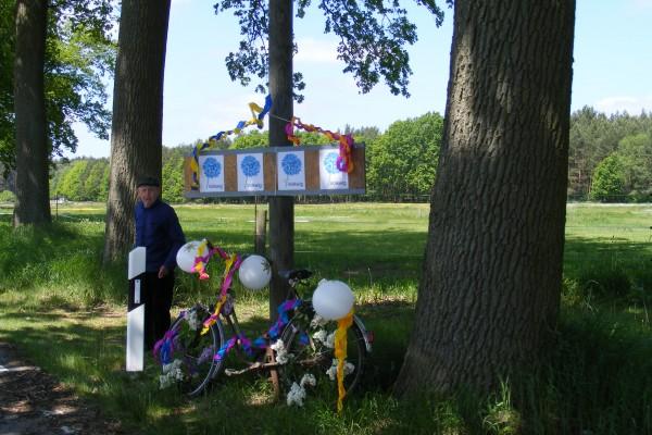 Geschmücktes Fahrrad in Volkwig zur Radtour 2010