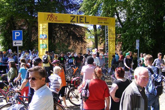 Radlerfeld kommt in Heiligengrabe an