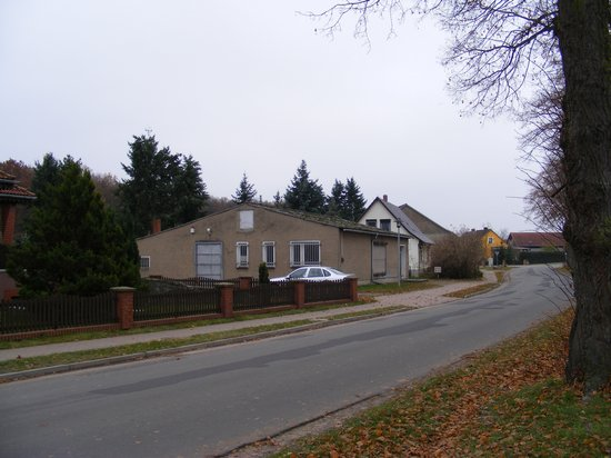 Konsum-Verkaufsstelle-Heiligengrabe-OT-Grabow-immobilienauktion-Strassenansicht-links