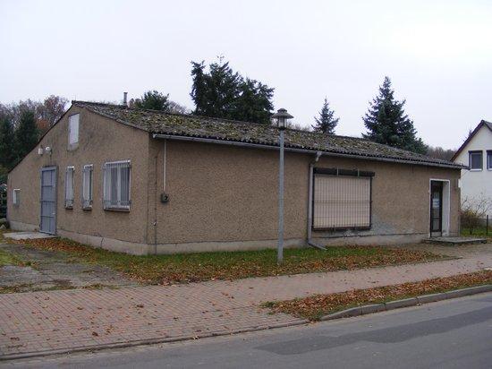 Konsum-Verkaufsstelle-Heiligengrabe-OT-Grabow-immobilienauktion-vorne-links