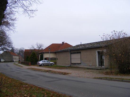 Konsum-Verkaufsstelle-Heiligengrabe-OT-Grabow-immobilienauktion-vorne-rechts-Strassenansicht