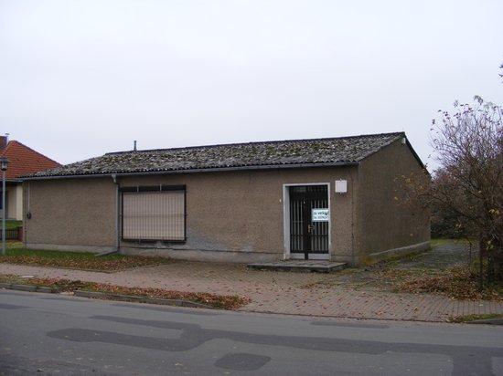 Konsum-Verkaufsstelle-Heiligengrabe-OT-Grabow-immobilienauktion-vorne-rechts