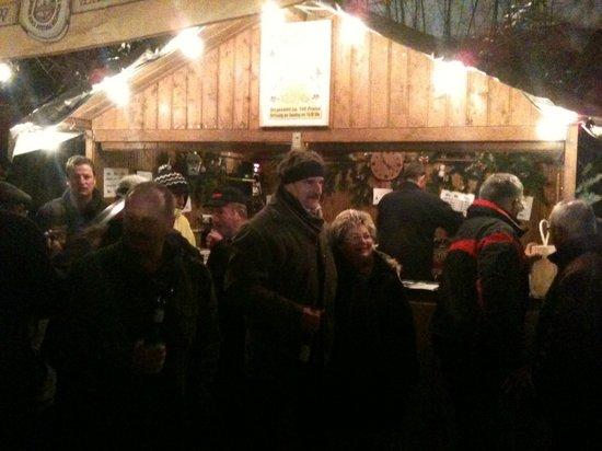 Abgesang- nach- dem- Weihnachtsmarkt- 2010- am 27- und- 28- November- in- der- Heiligengraber- Partnergemeinde- Fahrenbach