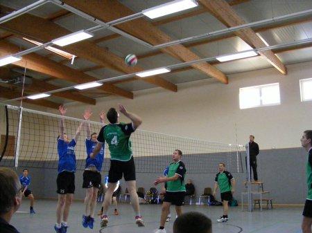 Volleyball-Landesklassepartie-Blumenthal-Grabow-gegen-Kyritz-Angriff-und-Block
