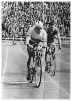 Taeve-Schur-Radsport-Idol-Legende-historische Aufnahme