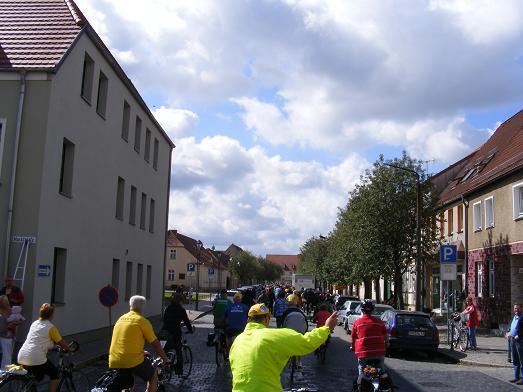 Ausfahrt-Radler-Tour-de-Prignitz-2011-Kyritz-Heiligengrabe-am-28-05-2011