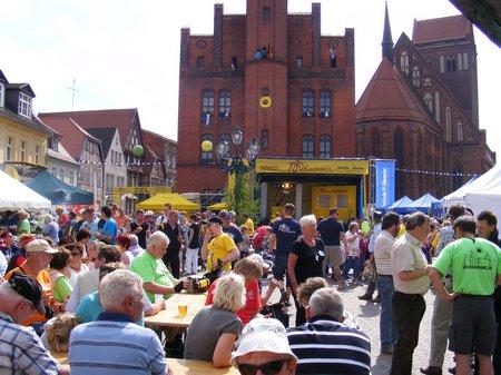 Tour-de-Prignitz-2011-Blick-ueber-Marktplatz-Rolandstadt-Perleberg