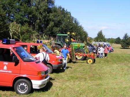 Erntefest-Blandikow-2011-Gefahrte-nach-dem-Festumzug