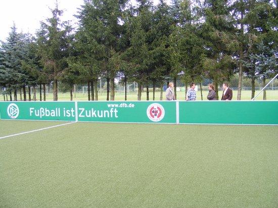 Wettbewerb-familienfreundliche-Gemeinde-2011-Heiligengrabe-OT-Grabow-Minispielfeld-Fussball