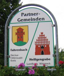 Schild Partnergemeinden Fahrenbach und Heiligengrabe