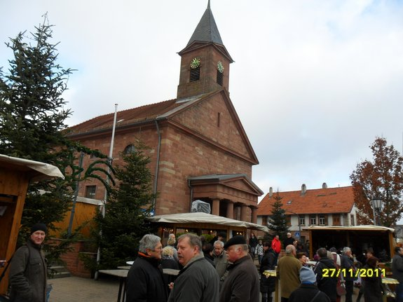 Impressionen-Fotos-Bilder-vom-18-Fahrenbacher-Weihnachtsmarkt-2011-Kirche