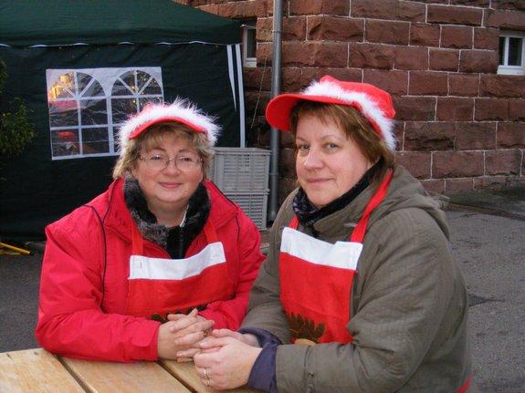 Impressionen-Fotos-Bilder-vom-18-Fahrenbacher-Weihnachtsmarkt-2011-Standbetreuung