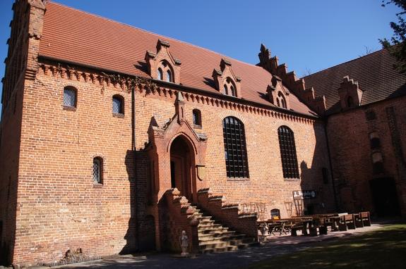 Plattenburg-Eingang-zum-Burgkeller-vom-Innenhof