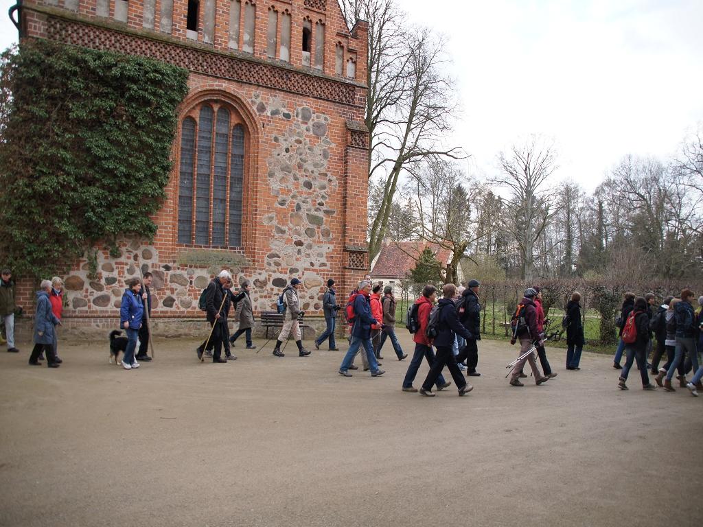 Annenpfad-Pilgern-2012-die-ersten-Meter-der-22-Kilometer