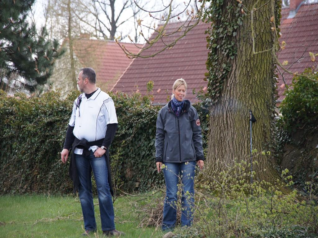 Buergermeister-Jens-Wittmann-und-Ehefrau-aus-der-Heiligengraber-Partnergemeinde-Fahrenbach-pilgerten-2012-auch-auf-dem-Annnenpfad