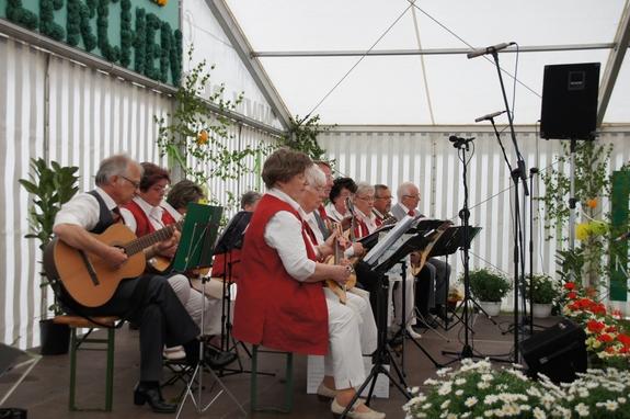 20-Jahre-Feldlerchen-Blandikow-Mandolinenorchester-Plau-am-See