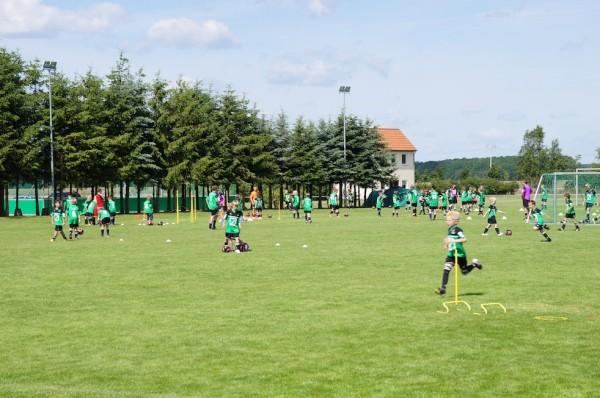 Kinder und Jugendliche am 2. Tag im Trainingscamp Grabow 2012