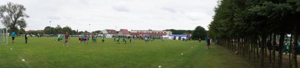 Panoramablick Sportanlage Grabow beim Abschlußtag des Fußball-Camps 2012