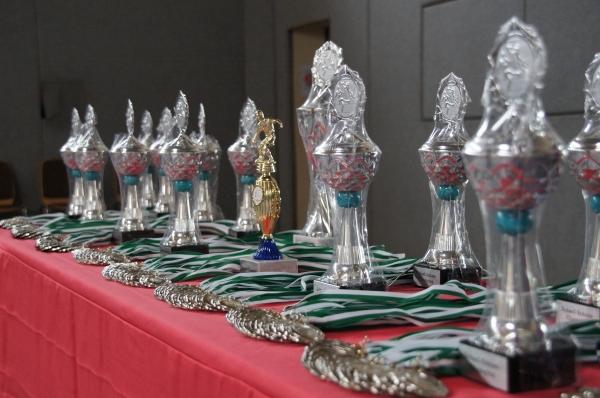 Pokale und Medaillen zum Fußball-Camp 2012
