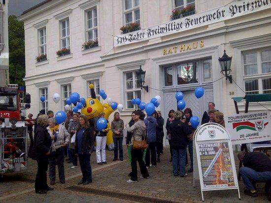 Empfang--2-Etappe-Kyritz-Pritzwalk-Tour-de-Prignitz-2012