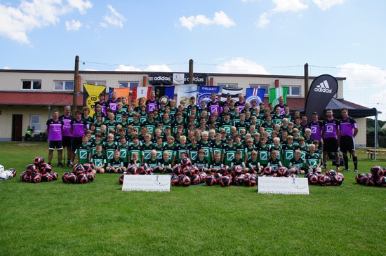 Gruppenfoto-FTW-Fussball-Camp-2012-Kids-for-Champions