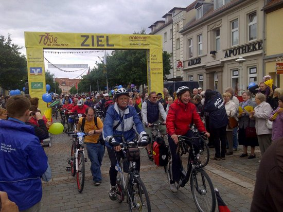 Tour-de-Prignitz-2012-2-Etappe-Zieleinfahrt-Pritzwalk