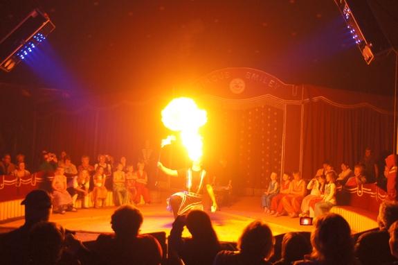 Feurspucker-Zirkusrevue-Circus-Smiley-in-Heiligengrabe-2012