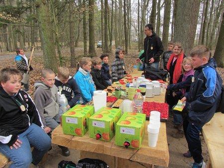 Klasse4-Nadelbachgrundschule-Heiligengrabe-Wildapfel07