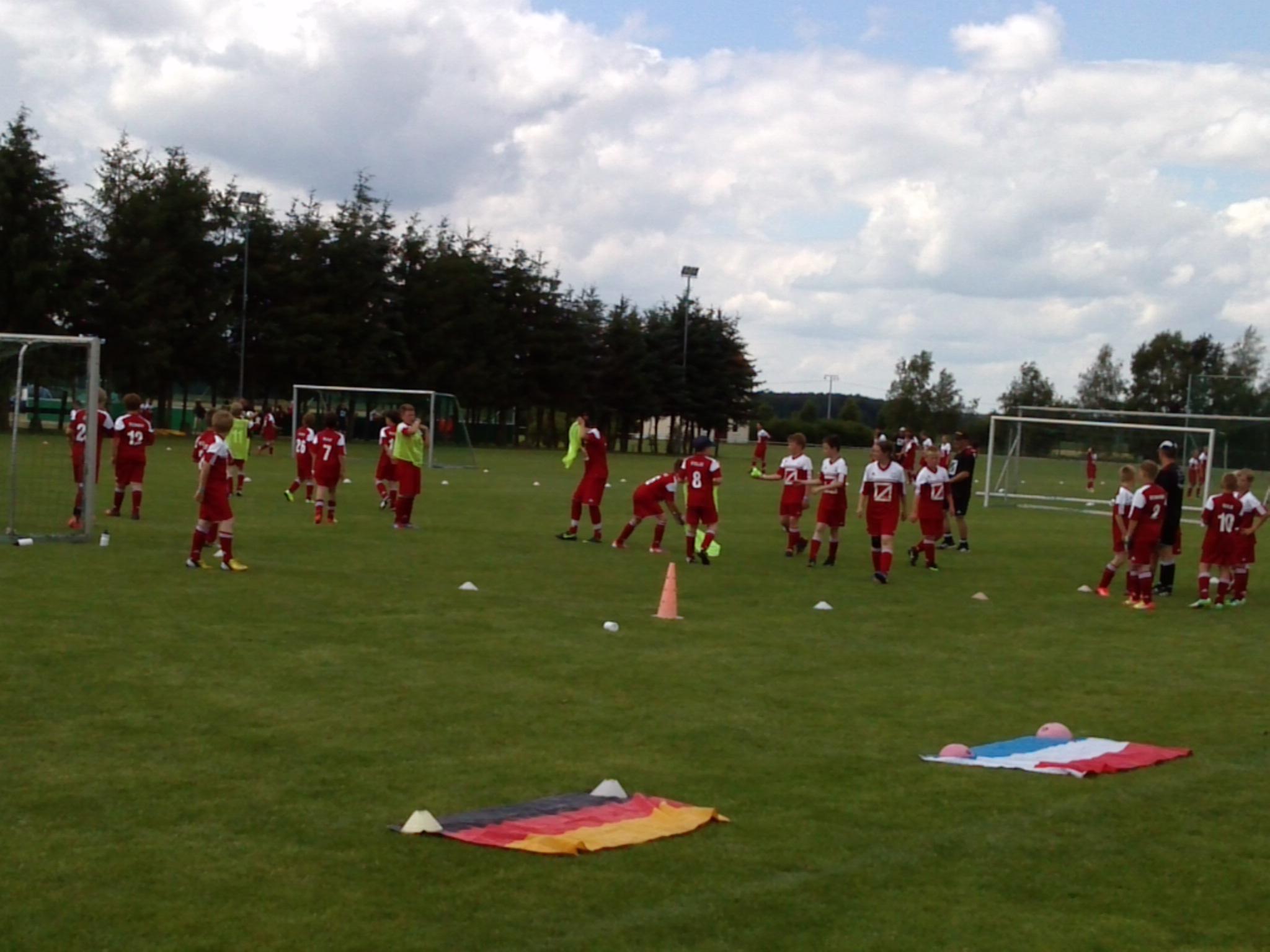 Laenderspiele-beim-Blumenthaler-Fussballcamp-2013