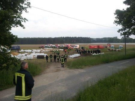 Feuerwehr-Heiligengrabe-Hochwasser-Quitzöbel-2013-01