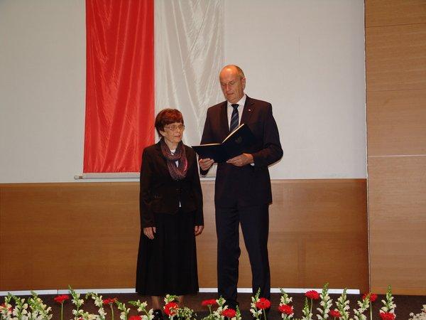 3Verdienstmedaille-Brandenburg2015 Äbtissin-Heiligengrabe